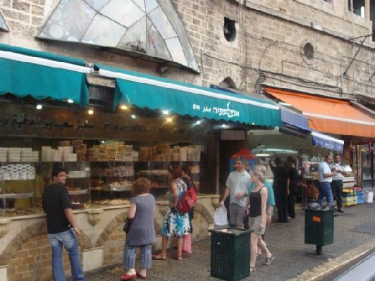 Уличная булочная в Израиле
