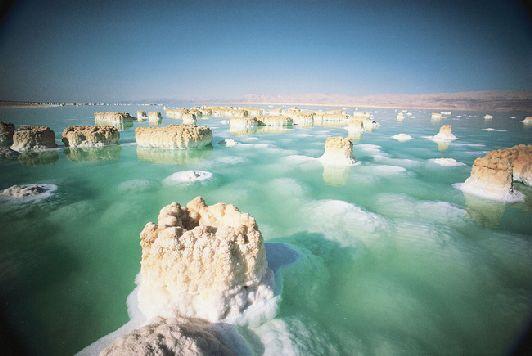 Отдых на курорте Мёртвого моря очень полезен для людей, имеющих проблемы, связанные с дыхательной системой