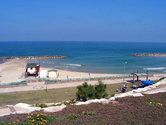 Пляж ''Далила'' - чистый и хорошо оборудованный