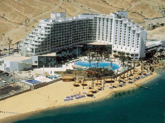 Бесплатный общественный пляж ищите, ориентируясь на отель ''Daniel Hotel Dead Sea''