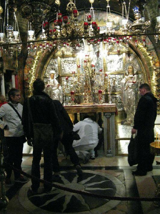 Православный престол Голгофы, где стоял крест, на котором распяли Иисуса Христа