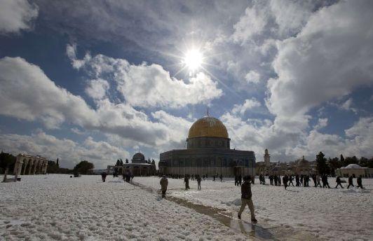 Зима в Иерусалиме может быть снежной, но снежный покров очень быстрое тает