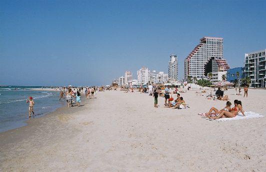 В Израиле много частных пляжей