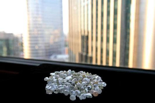 Израиль - крупнейший производитель бриллиантов, надёжнее и выгоднее всего их приобретать напрямую у дилеров Алмазной биржи