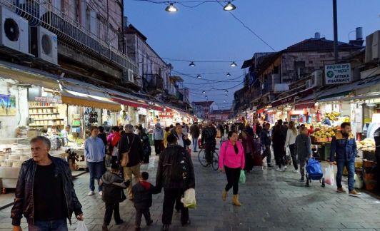 Рынок Mahane Yehuda работает круглый год, кроме шаббата