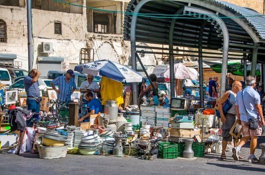 Рынок А-Пишпешим – настоящая кладезь антиквариата
