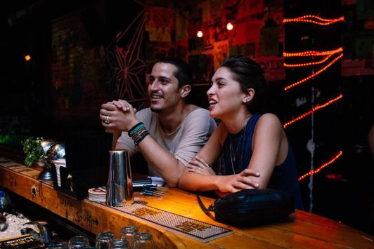 В Тель-Авиве есть классические пабы, где бармен может подобрать вам напиток под настроение