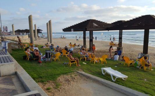 Городской пляж Дадо оборудован всем самым необходимым