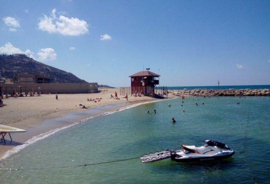 Пляж Бат Галим небольшой, но очень уютный