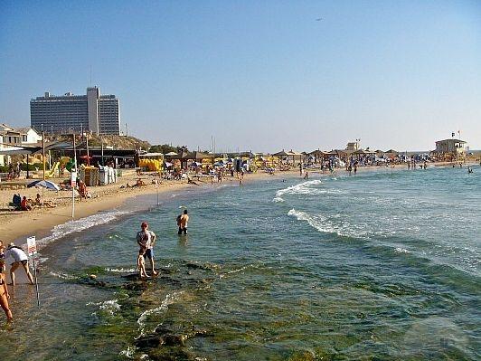 Мецицим Пляж (Metzizim Beach)