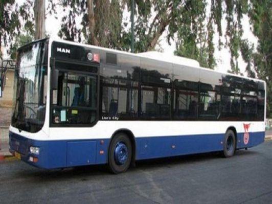 Часть городских и междугородних маршрутов Израиля осуществляет фирма Дан на сине-белых автобусах